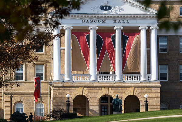university of wisconsin-madison application essay questions Applying to graduate programs university of wisconsin-madison if you have any questions after reading the following information.