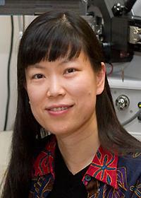 Lingjun Li headshot
