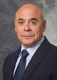 Luis Populin headshot